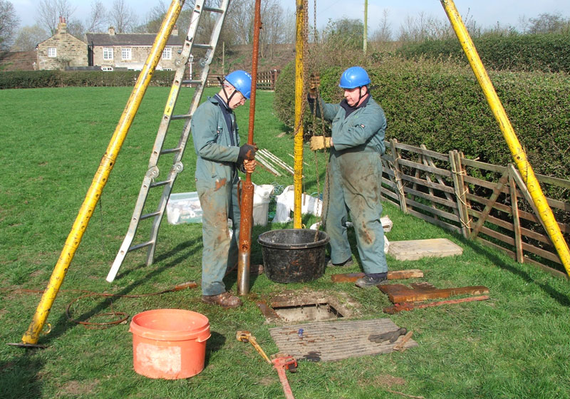 Borehole pump lift and riser replacement by skilled engineers